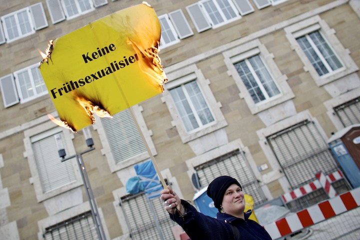 homophobe_Demo_Stuttgart001